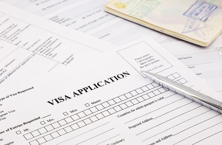 海外起業はビザが必須!駐日大使館で発行!
