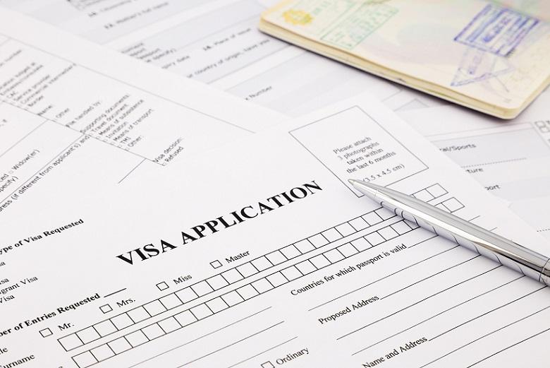 海外起業は就労ビザの取得が必須